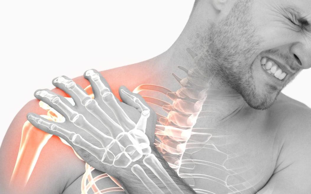 chiropractor shoulder pain
